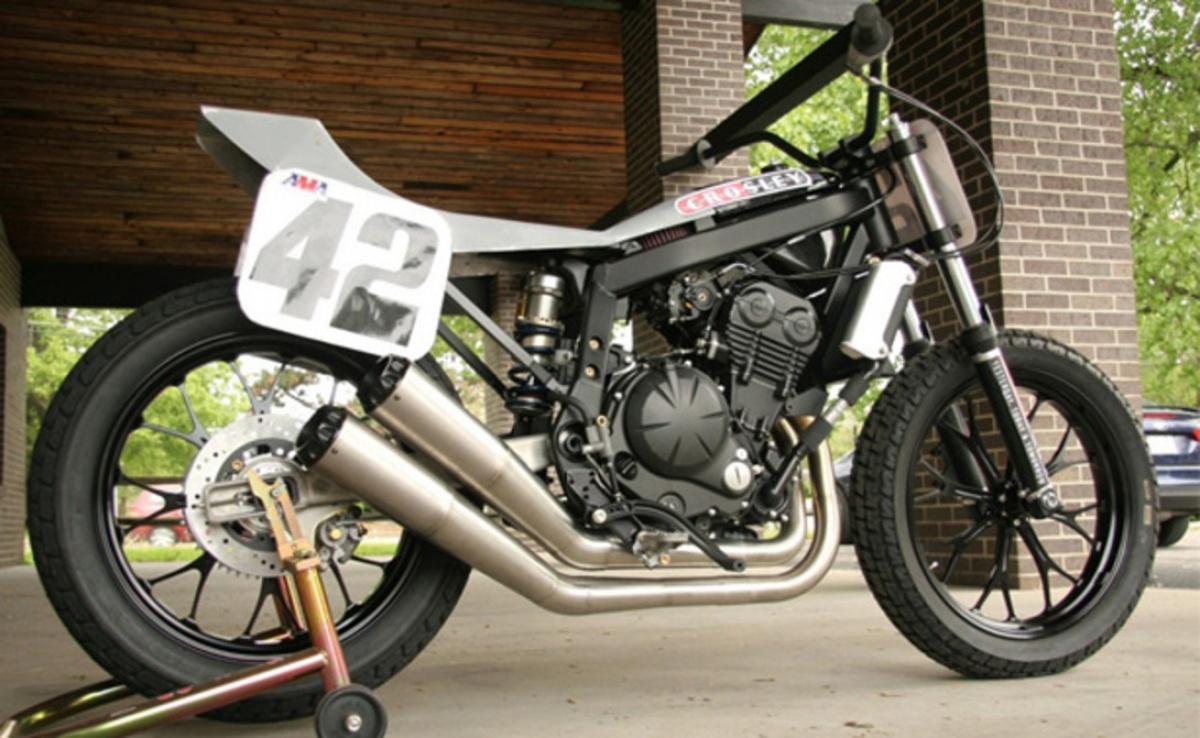 Kawasaki Triple  Race