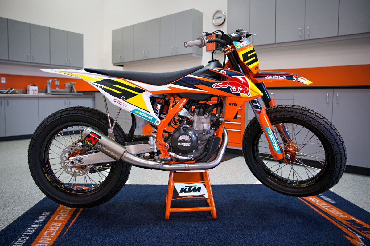 KTM 450 SXF turned into flat track race bike.